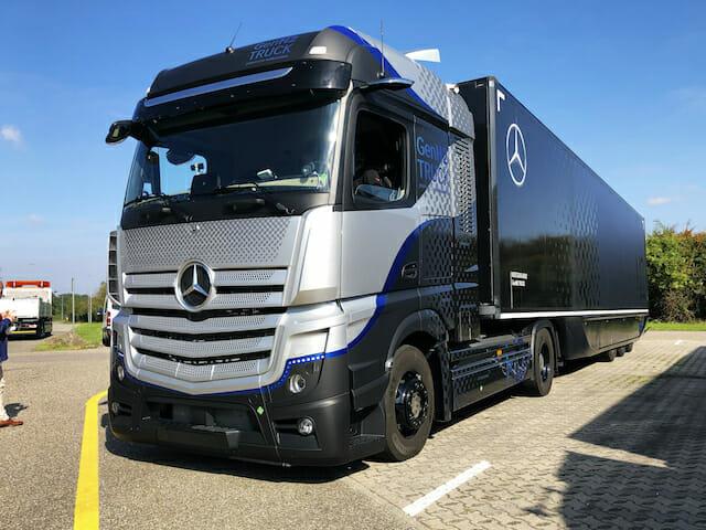 Mercedes GenH2 Truck